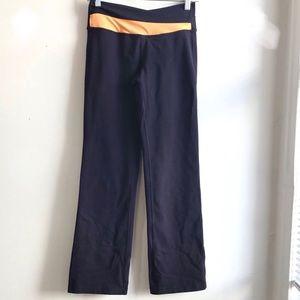 Lululemon Women's Yoga Pants Dark Purple Size 6
